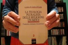 La teologia pluralista delle religioni: un mito? - a cura di Gavin D'Costa